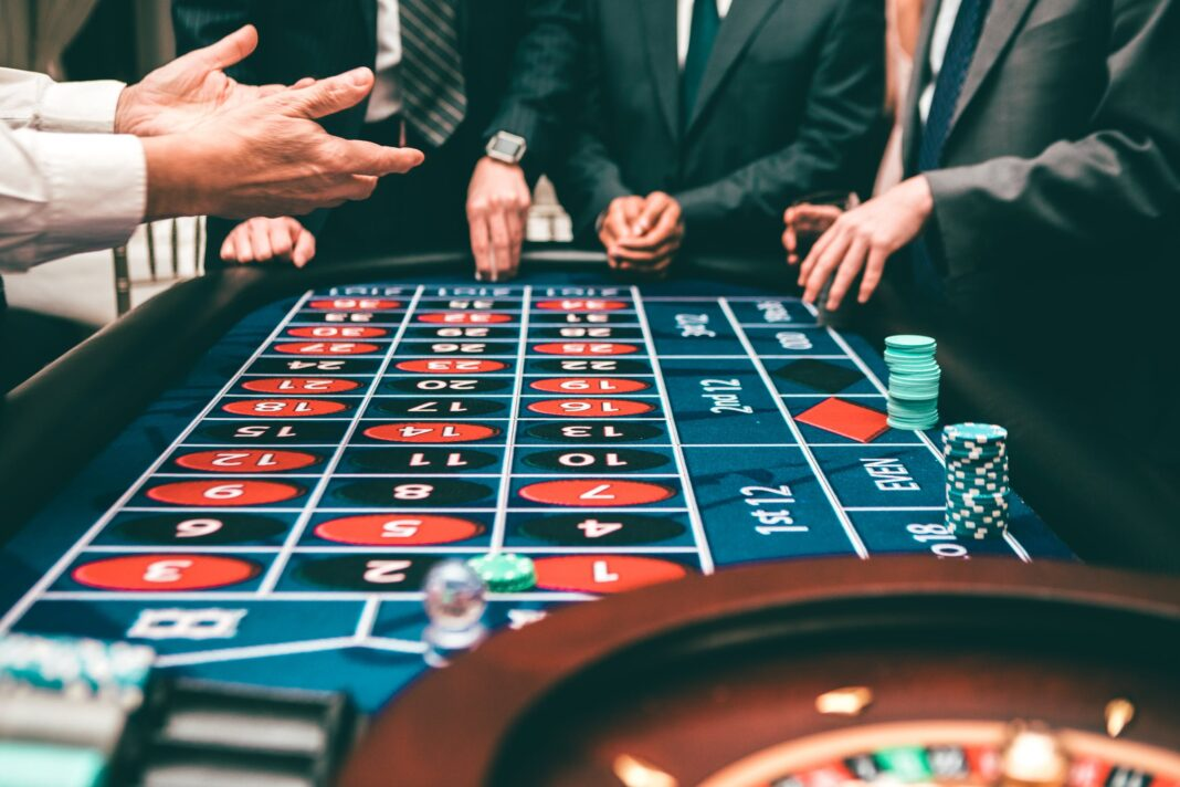 Enjoy the casino game on an online platform by the inclusion of exclusive offers